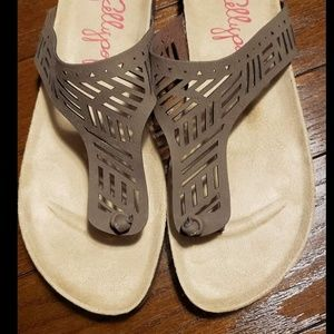 Jellypop Shoes - NWT Jellypop Thong Sandals